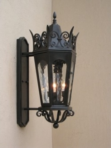 The Correct Outdoor Lantern for Your Home's Architecture