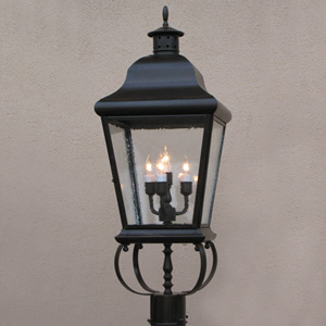 Customlightstyles Post mount lantern with a spider scroll mount. PSM5980-5984